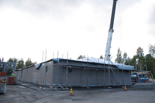 Tässä tilanne syyskuun alussa. Aikaavievin osuus ohitettu, kun betoniosa on valmis.
