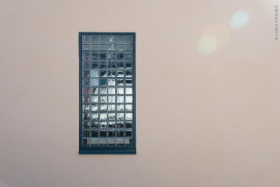 Rappauspintaa ikkuna-alueen ympäriltä ennen kalkkimaalausta.